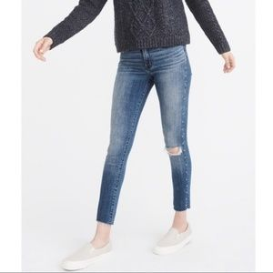 Abercrombie Harper Studded Knee Rip Ankle Jeans